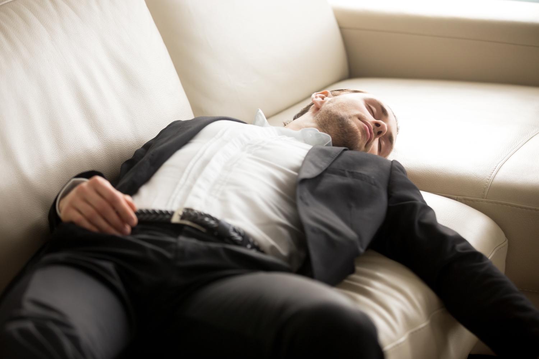 jak jakość snu wpływa na managerów