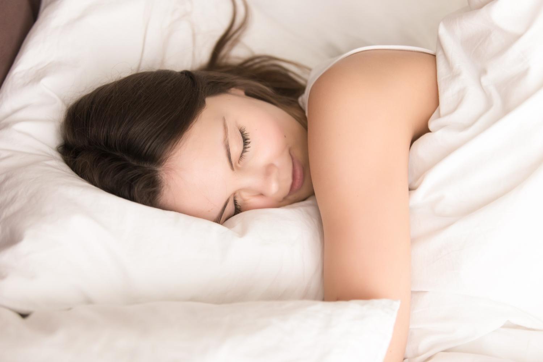 jak dopasować materac do pozycji spania