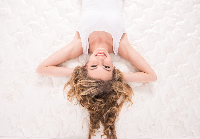 jak dobrać materac do pozycji snu