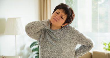 jak spać, gdy boli kręgosłup