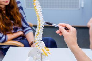rodzaje bólów kręgosłupa