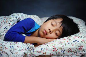 ile śpią ludzie na świecie