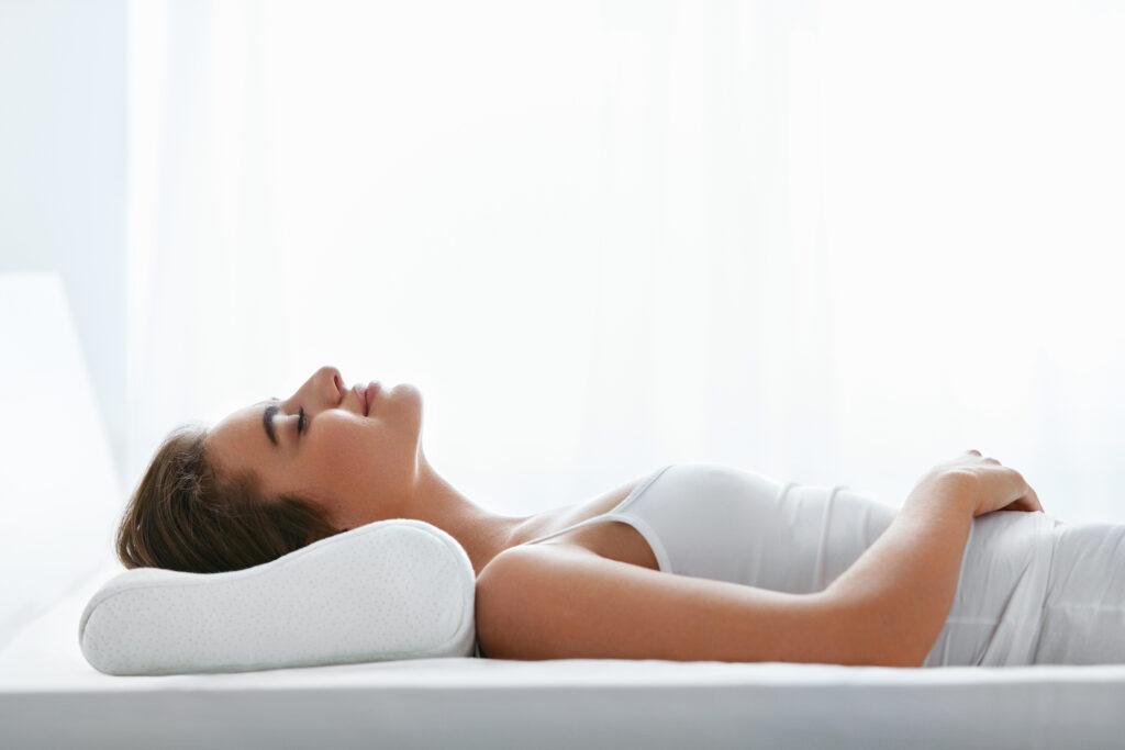 jaką poduszkę ortopedyczną wybrać, poduszka ortopedyczna